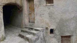 Uno scorcio del centro storico di San Basile (Cosenza)