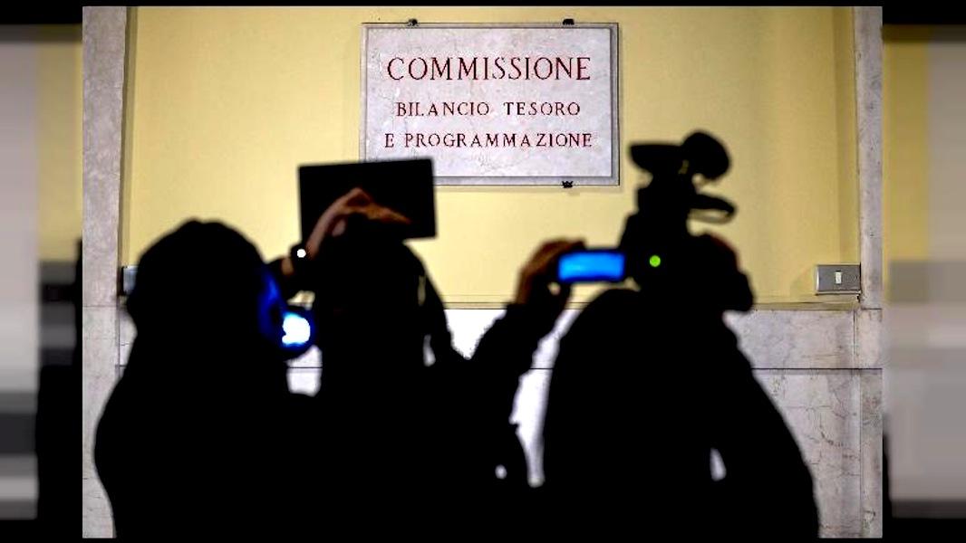 Manovra commissione camera nella notte ha votato mandato for Commissione bilancio camera