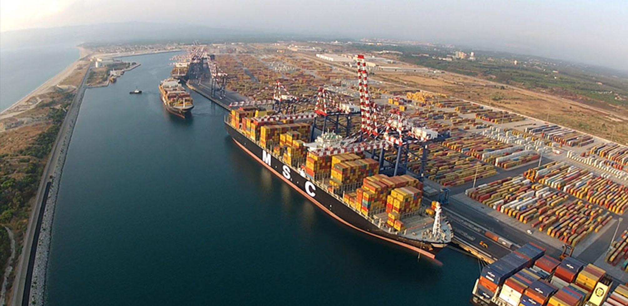 Il porto di Gioia Tauro