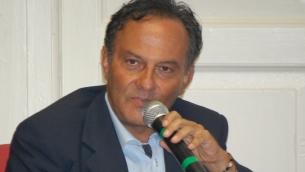 Il giornalista e scrittore Antonio Cannone