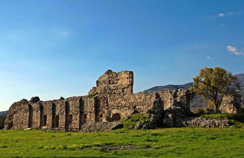 abbazia-benedettina-facciata
