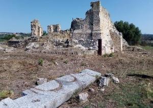 Resti Abbazia SS Trinità Mileto (foto Ciappina)
