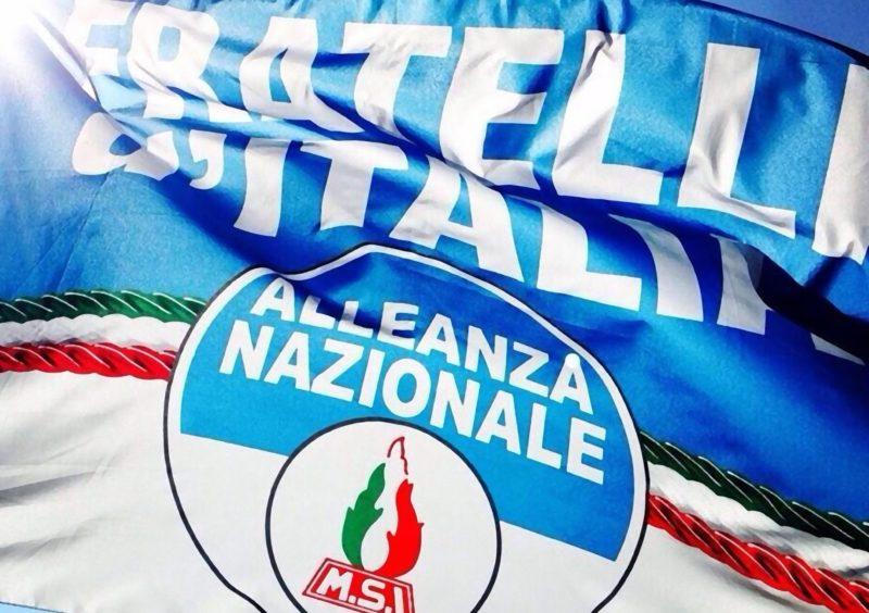 bandiera-di-fratelli-ditalia-alleanza-nazionale-800x564