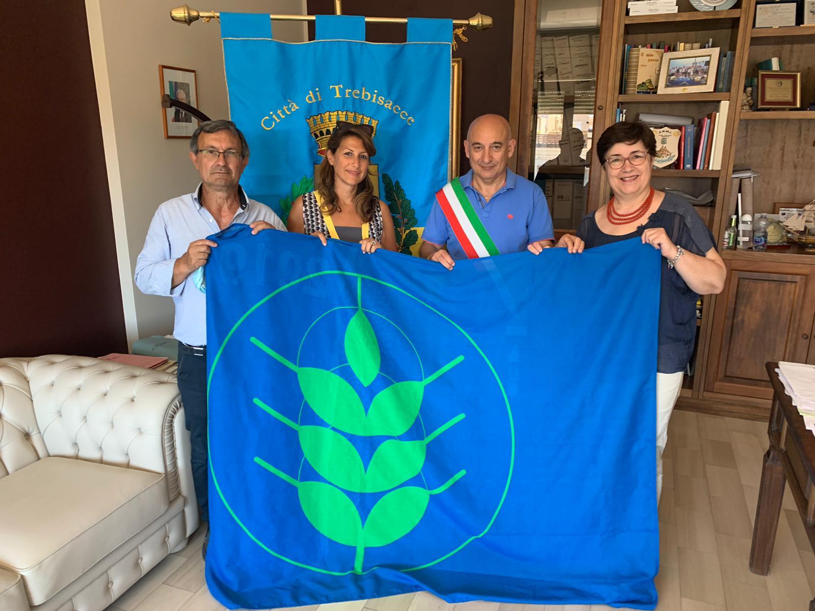 cs-trebisacce-e-di-nuovo-bandiera-spighe-verdi
