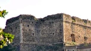il-castello-normanno-di-maida
