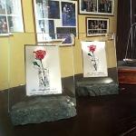 le-due-rose-nel-bicchiere-realizzate-da-rocca