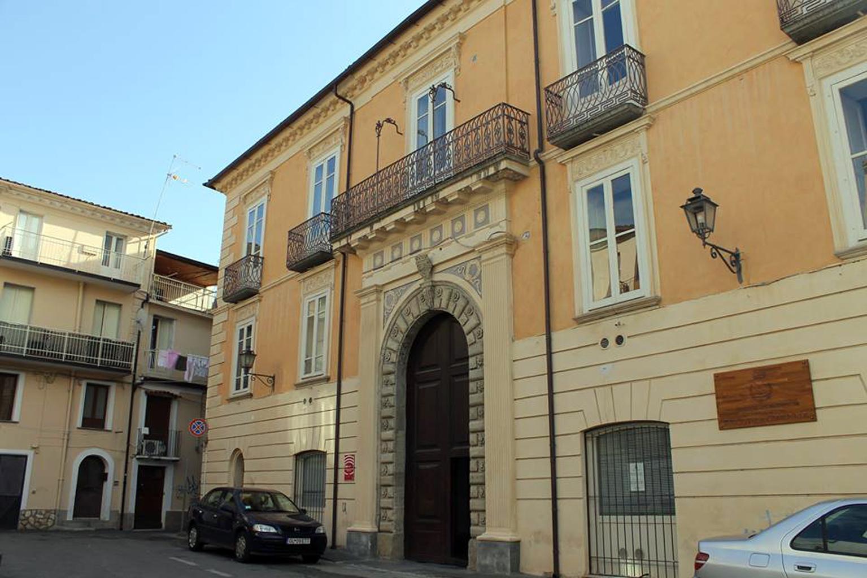 Palazzo Nicotera, sede della Biblioteca comunale