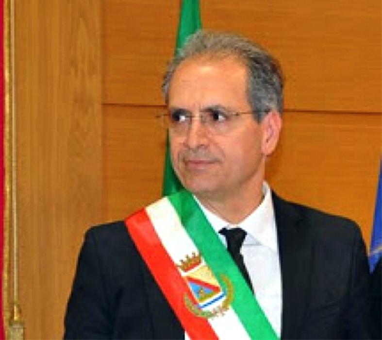 Il sindaco di Lamezia Terme, Paolo Mascaro