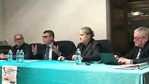 Giuseppe Terranova (secondo da sinistra nella foto)