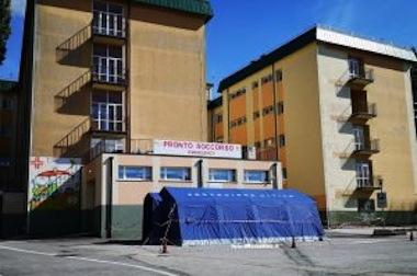 tenda-protezione-civile-pronto-soccorso-ospedale-soveria-mannelli-300x199