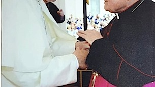 vescovo-rimedio-con-papa-francesco