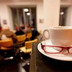 Science Café am 29.09.2009 im Deutschen Hygienemuseum in Dresden. Foto: momentphoto.de/Oliver Killig       http//:www.momentphoto.de, A d r e s s e: K o e n n e r i t z s t r a s s e 7, 01067 D r e s d e n , StrNr: 201/208/10627 b e i m  F i n a n z a m t  D r e s d e n II ... M o b i l : 0172/88 48 178,T e  l : 0351/28 425 21,F a x : 0351/28 425 22,M a i l : killig@momentphoto.de, B a n k v e r b i n d u n g : D R E S D N E R  B A N K,  KtoNr: 0414375900, B L Z: 850 800 00 . N u t z u n g  n u r  g e g e n  H o n o r a r  + 7% Mwst.  s o w i e  U r h e b e r n e n n u n g .W I C H T I G: J eg l i c h e   k o m m e r z i e l l e   N u t z u n g   i s t   H o n o r a r -   u n d   M e h r w e r t s t e u e r p f l i c h t i g !   H o n o r a r   g e ma e s s   M F M (w w w. b v p a. o rg)!   W e i t e r g a b e   a n   D r i t t e   n u r   n a c h   v o r h e r i g e r   A b s p r a c h e   m i t   d e m   U r h e b e r !   D a r s t e l l u n g   i m   I N T E R N  E T    i s t   g r u n d s a e t z l i c h   h o n o r a r  -   u n d  m e h r w e r t s t e u e r p f  l  i c h t i g  ;   a u c h   a l s    1 : 1   K o p i e   i n   I N T E R N E T - A u s g a b e n   v o n   T a g e s z e i t u n g e n   u n d  M a g a z i n e n .  A u t o r e n -  N e n n u n g   a u c h  f u e r  I N T E R N E T - D a r s t e l l u n g   g e m a e s s   ß   1 3   U r h G e s .  A C H T U N G : E X K L U S I V - F o t o !   J e d e   w e i t e r e   N u t z u n g   n a c h   d e m   E r s t a b d r u c k   d e s   B i l d m a t e r i a l s   i s t   e b e n f a l l s   h o n o r a r -   u n d   m e h r w e r t s t e u e r p f l i c h t i g !   V e r s t o e s s e   w e r d e n   v e r f o l g t !