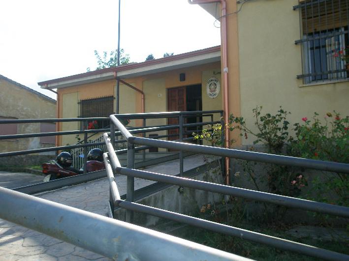 L'ingresso del Municipio di Carlopoli