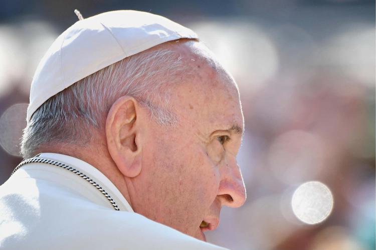 """Covid, Papa: """"Negazionisti tra cardinali, uno è ricoverato"""""""