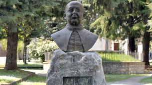 Morano Calabro: il monumento a Don Carlo De Cardona