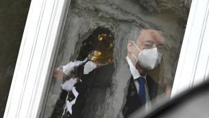 Draghi lima nuovo Dpcm e prepara battaglia vaccini