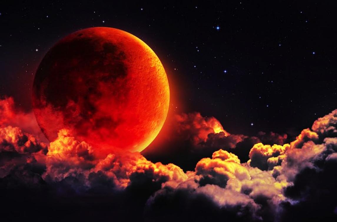 Eclissi di luna con le streghe del Montecchio