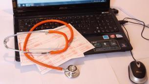 """Esperti: """"Tecnologia sempre più ponte tra medico e paziente"""""""