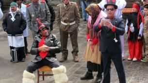 La farsa di Carnevale, rappresenta anni fa a Sersale (Catanzaro)