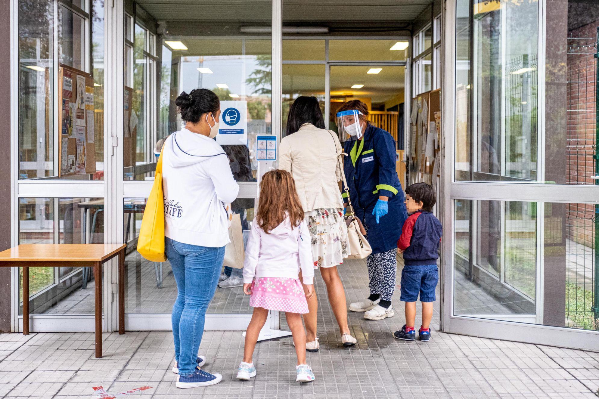 Green pass scuola, obbligatorio anche per genitori. Multe fino a 1