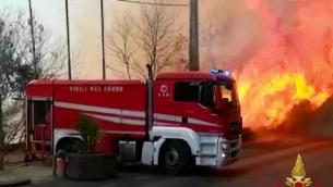 Incendi e vittime oggi in Calabria e Sicilia, il Sud Italia brucia