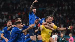 Italia campione d'Europa, P