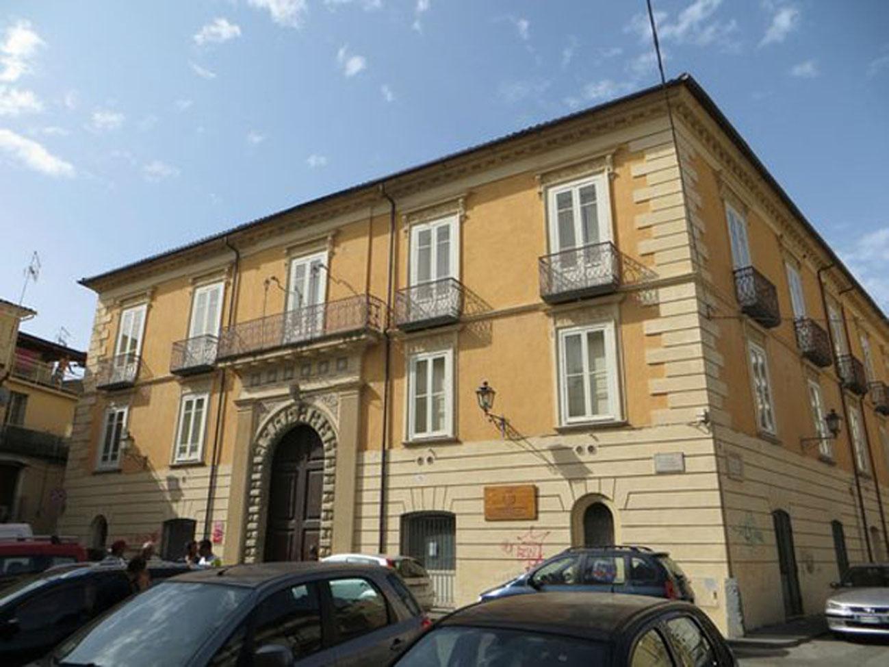 Il Palazzo Nicotera-Severisio, sede della Biblioteca comunale di Lamezia Terme