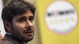 """M5S, Di Battista: """"Limite 2 mandati va applicato a tutti i politici"""""""