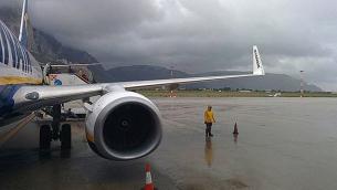 maltempo-aereo-palermo-decollo-atterraggio-aeroporto-pioggia-640x465