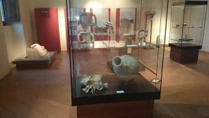 Una sala del Museo archeologico lametino