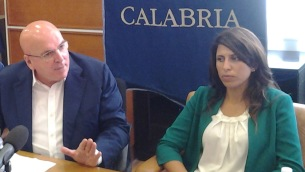Il presidente Mario Oliverio e Federica Roccisano, assessore regionale alla Scuola, lavoro, welfare e politiche giovanili