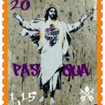 Opera di © Alessia Babrow, Gesù Cristo Risorto, 2019, riprodotta su francobollo emesso da Città del Vaticano