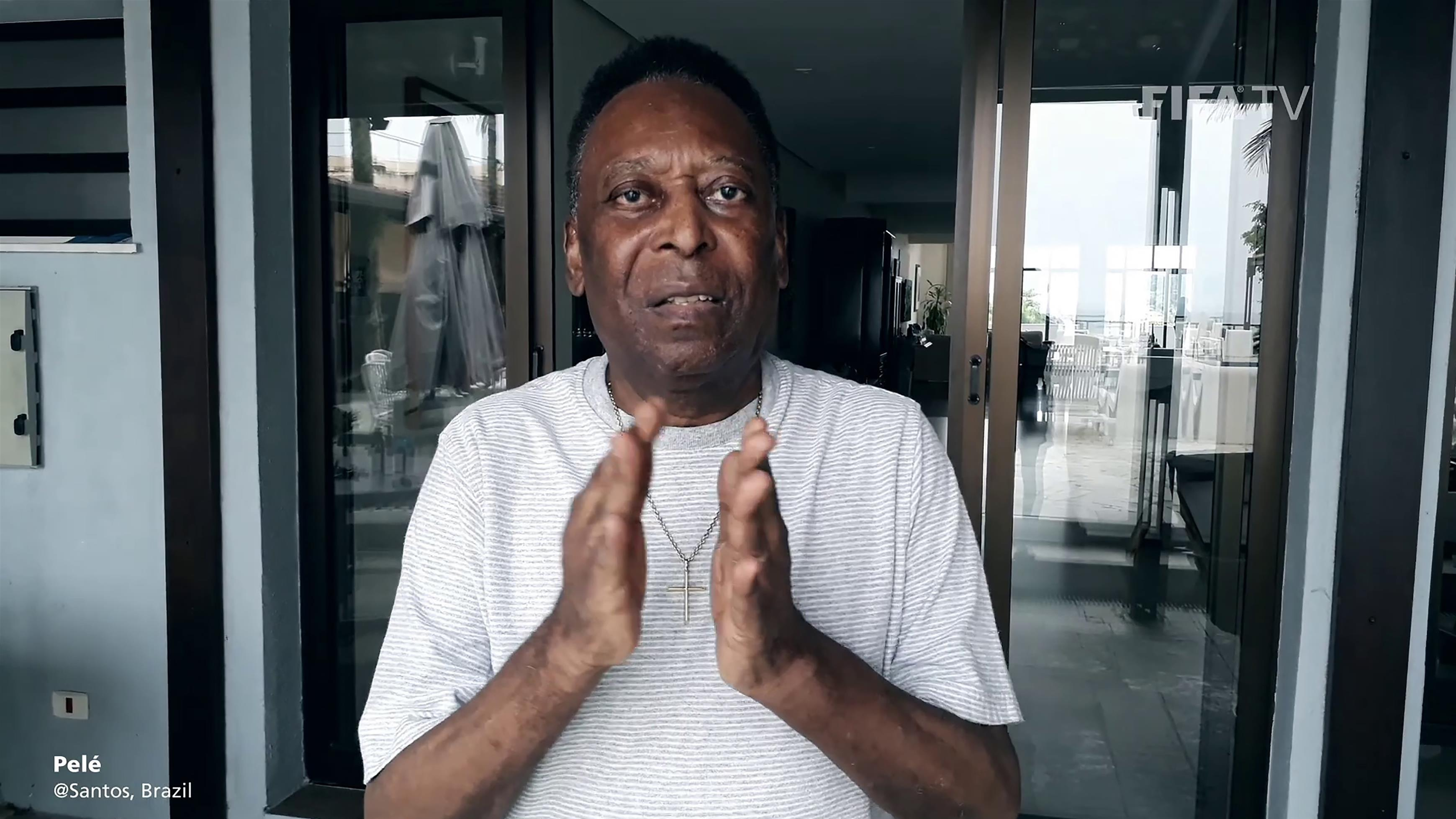 """Pelé, condizioni migliorano: """"Fuori da terapia intensiva"""""""