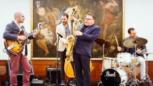 Il sassofonista Jerry Weldon accompagnato dal chitarrista Daniele Cordisco, dal contrabbassista Giuseppe Venezia e dal batterista Elio Coppola