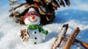 pupazzo-di-neve-freddo-inverno-feste-natale-960x600