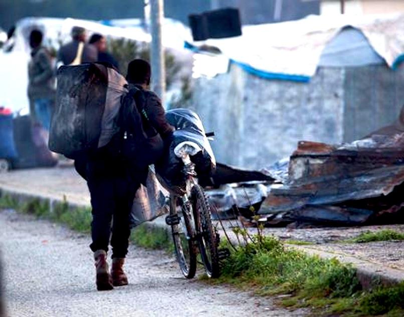 Migranti: al via sgombero baraccopoli S.Ferdinando