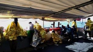 Migranti: Sea Watch, soccorse 47 persone su un gommone