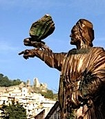 Lamezia Terme-Statua bronzea Federico II (opera di Maurizio Carnevali)