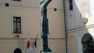 La statua di Ligea di Dalisi in piazzetta San domenico a Lamezia Terme-Nicastro