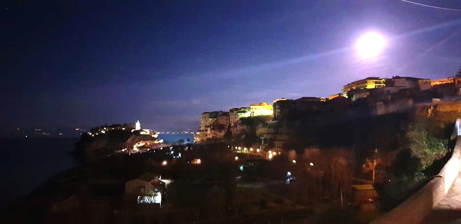 Superluna a Tropea-foto di Antonio Piserà
