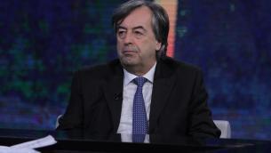 """Vacanze col virus"", Burioni smaschera turismo 'senza mascherina'"