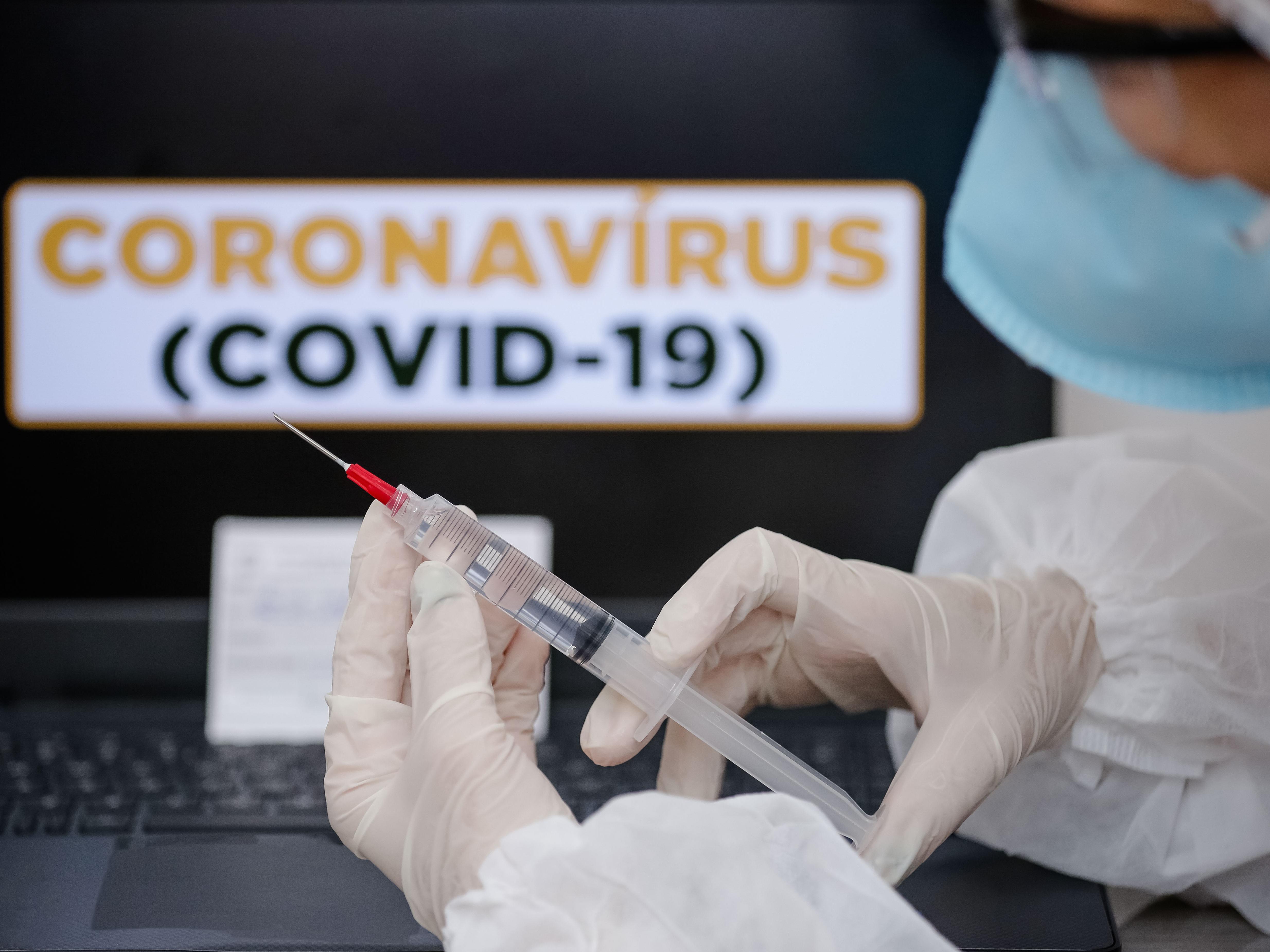 Vaccino Covid, da oggi priorità ai richiami